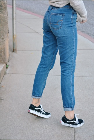 Jeans: American Eagle Mom Jeans